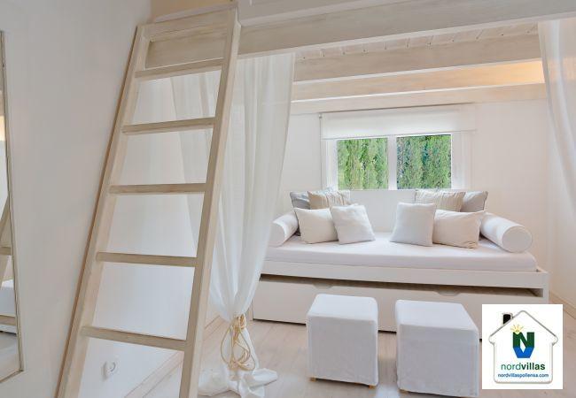 Sofa bed in Selva
